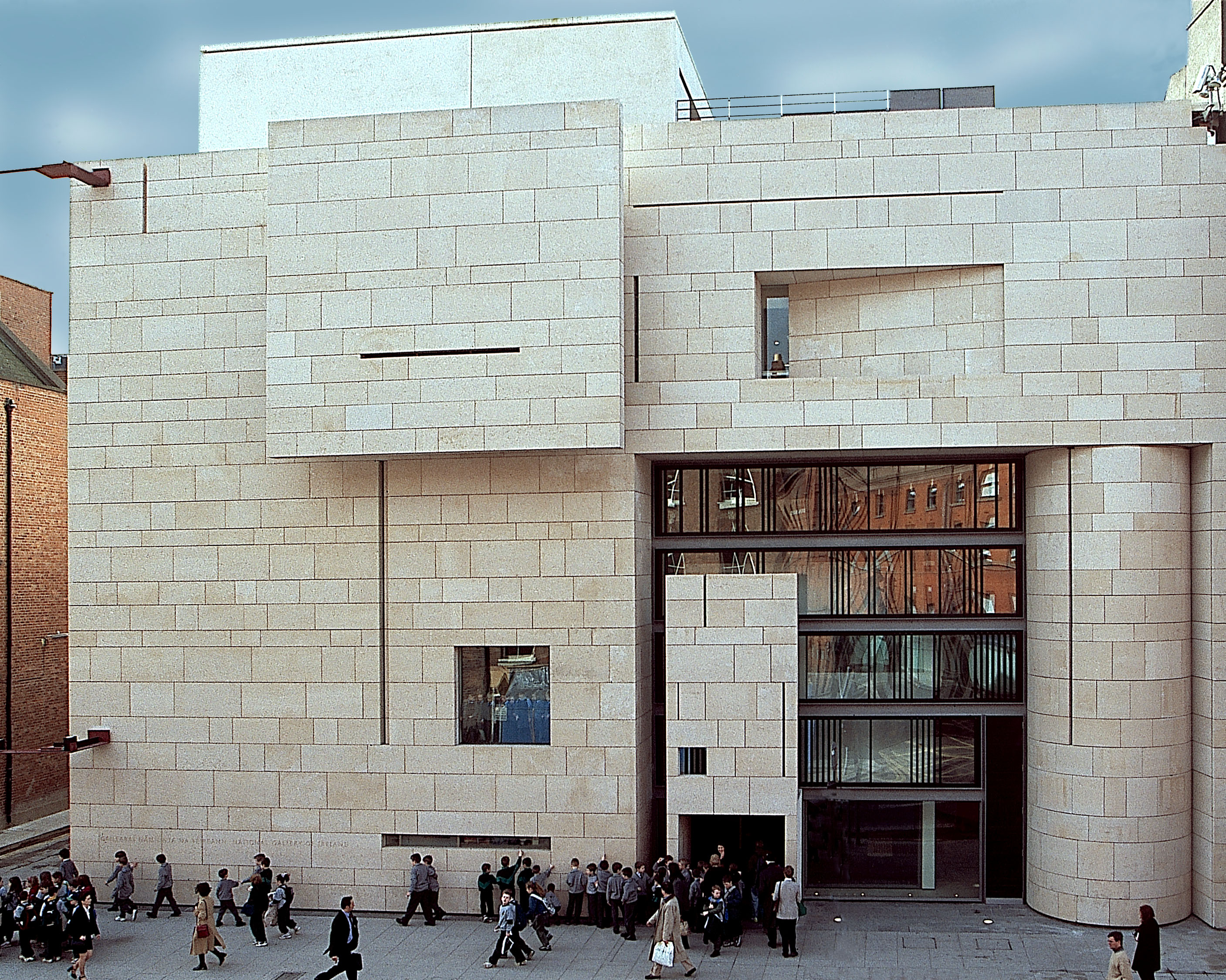 Visit the National Gallery of Ireland in style with a limo! - Absolute Limos